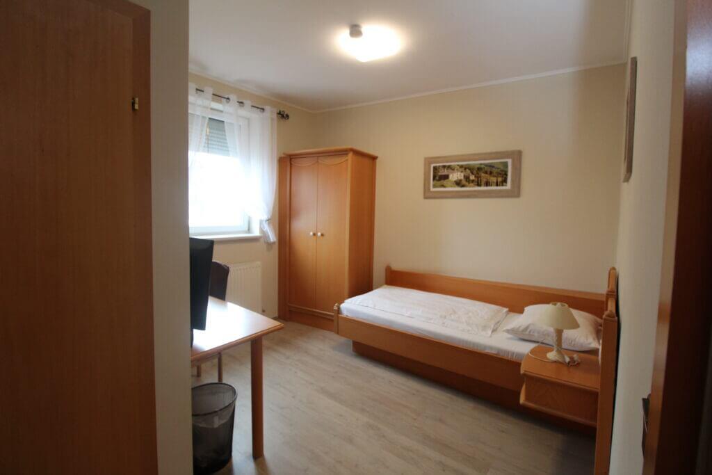 Einzelzimmer Hössl Brunn am Gebirge
